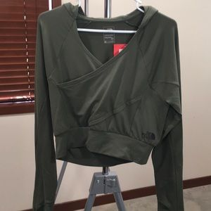 NWT North Face motivation wrap